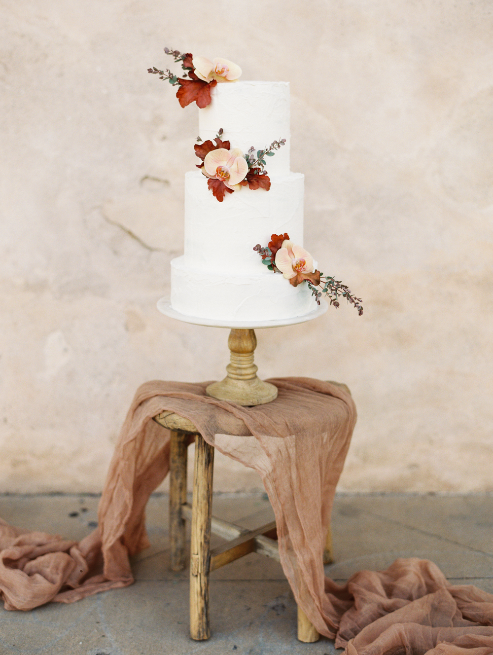 Modern Romantic Elopement Wedding Cake