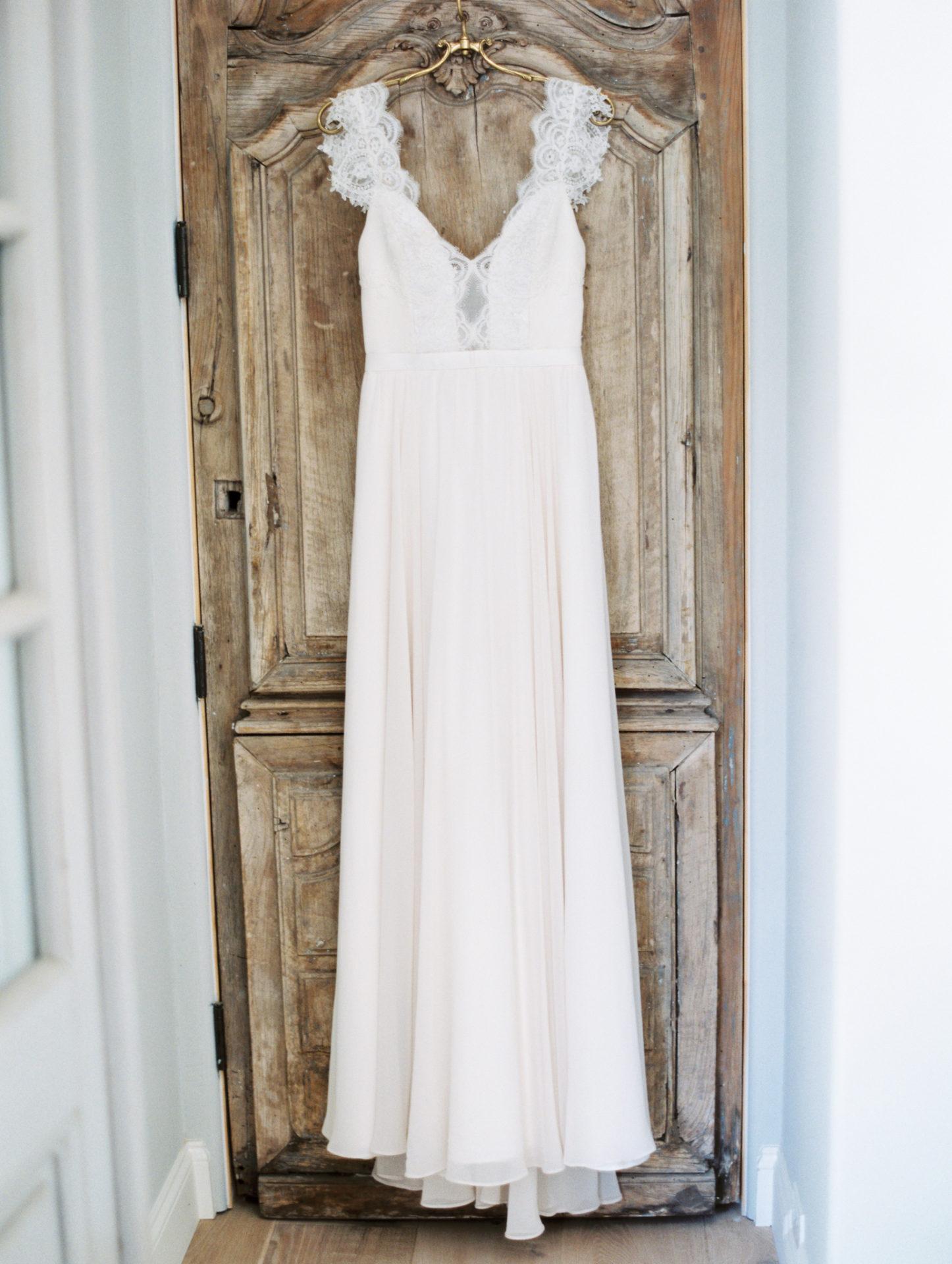Timeless Spring Wedding Design With A Modern Twist Bride Portrait