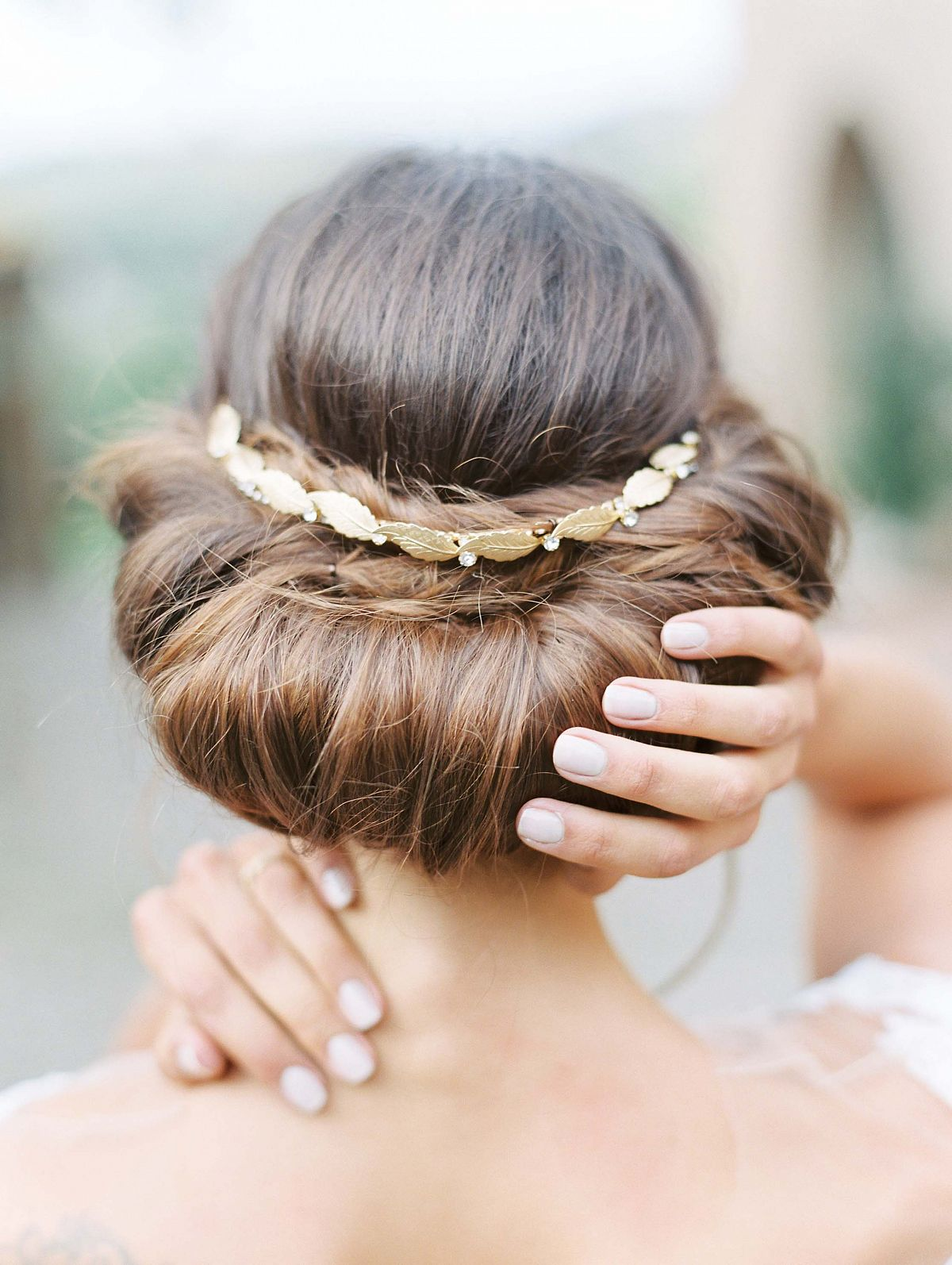 Stylish Al Fresco Wedding In Mani Bridal Hair